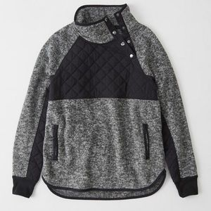 Abercrombie & Fitch asymmetrical snap fleece